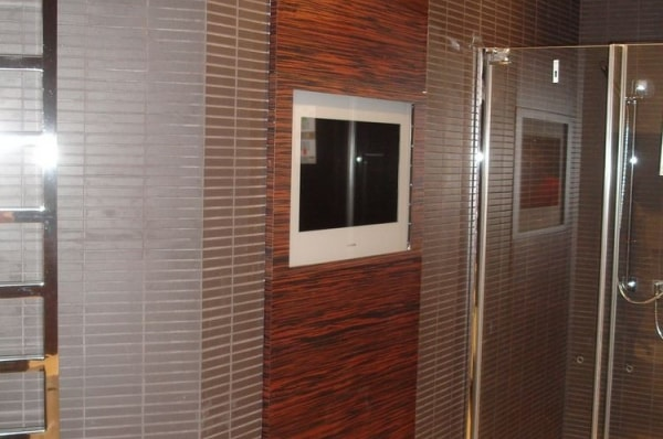 Панель на стену для телевизора