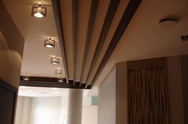Панели на потолок из массива