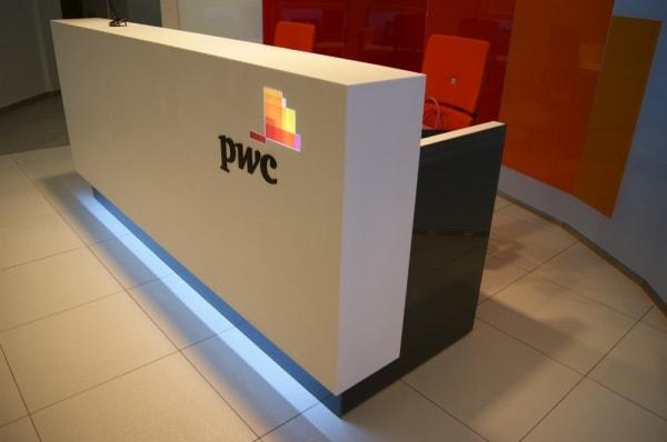 Ресепшн для офиса PWC