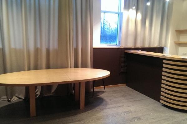 Стол из массива дуба для столовой