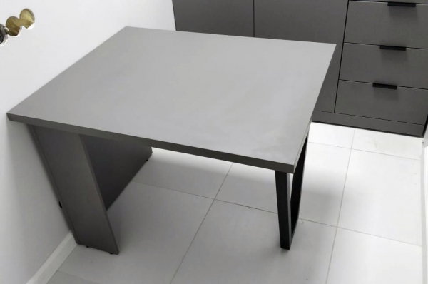 Стол администратора в офис